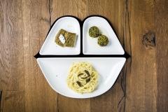 Raperonzolo- Tagliolini risottati al tartufo, polpettine di spinaci in granella di pistacchi, tortino di ceci con caprino
